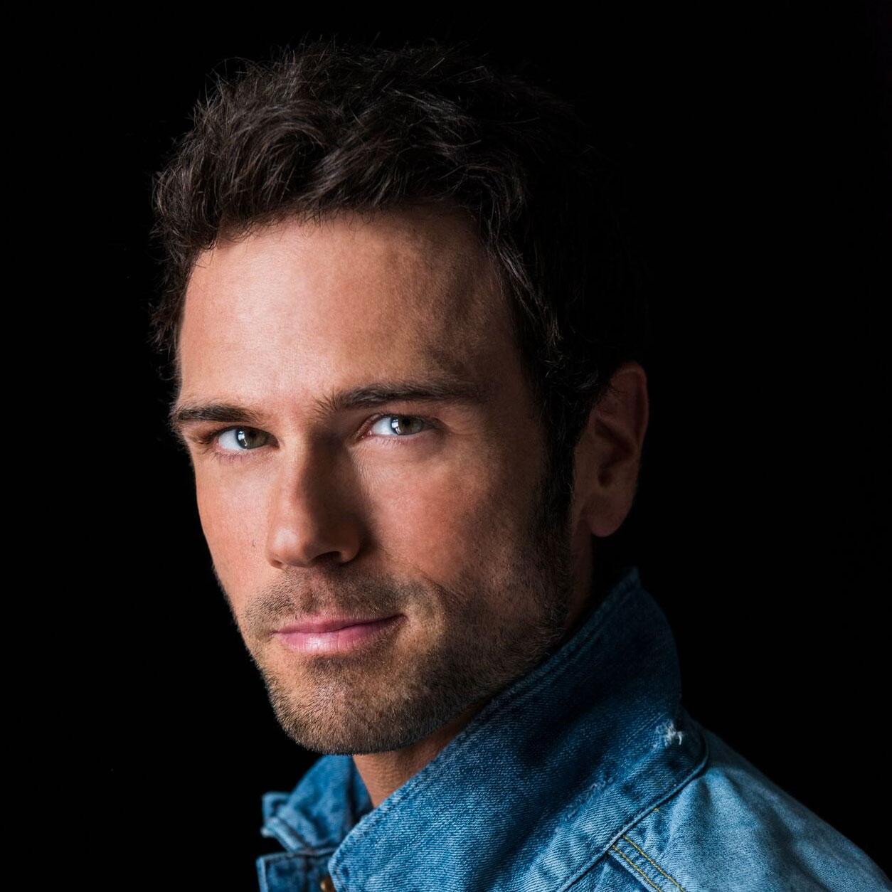 Custom WordPress web design and managed hosting for Nashville Country Music artist Chuck Wicks.